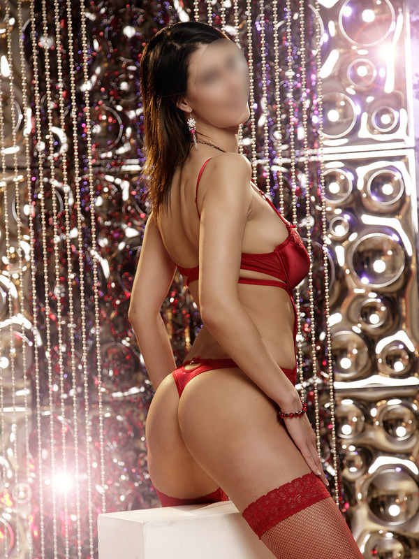 Escort girl Esmeralda